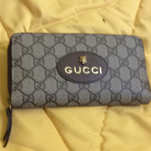 0a0914930acaa6 Gucci Bags | Authentic Zip Around Wallet | Poshmark